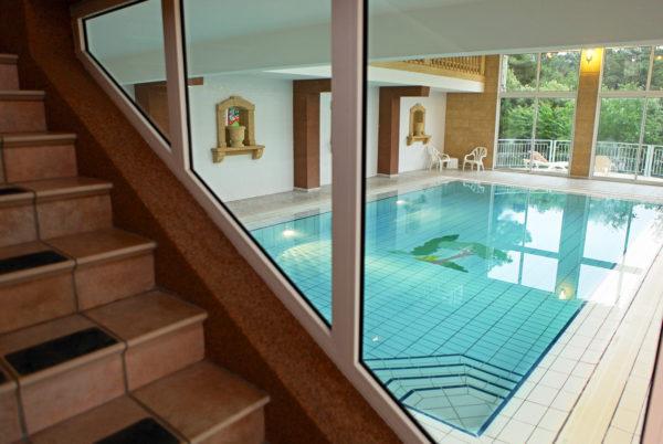 A Anduze, en Cévennes, profitez de notre piscine couverte et chauffée