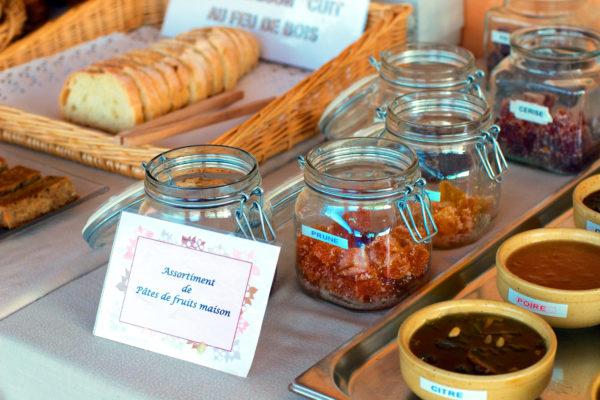 Au petit déjeuner, démarrez une bonne journée avec nos produits maison et des terroirs cévenols
