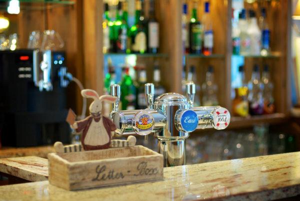 Pour le dépôt de vos correspondances, à la réception de notre hôtel restaurant d'Anduze, en Cévennes