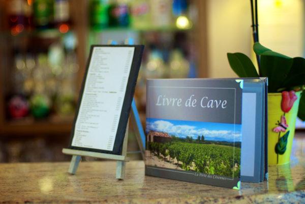 Notre livre de cave, à la réception de notre hôtel restaurant d'Anduze, en Cévennes