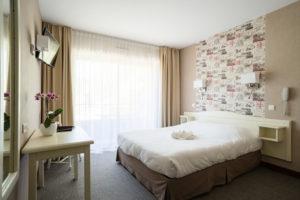 Nos chambres familiales vous permettent de bien vous reposer après une journée de découverte de nos Cévennes