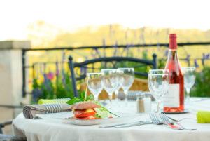 Au restaurant, sur notre terrasse panoramique d'Anduze, en Cévennes