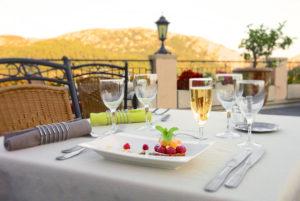 Dessert en terrasse, à notre restaurant d'Anduze, en Cévennes
