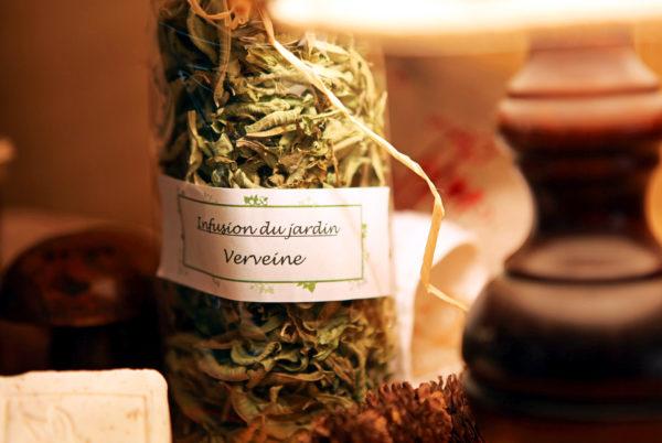 Durant votre séjour en Cévennes, découvrez les infusions de notre jardin