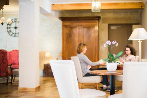 Dans le salon de notre hôtel restaurant d'Anduze, en Cévennes